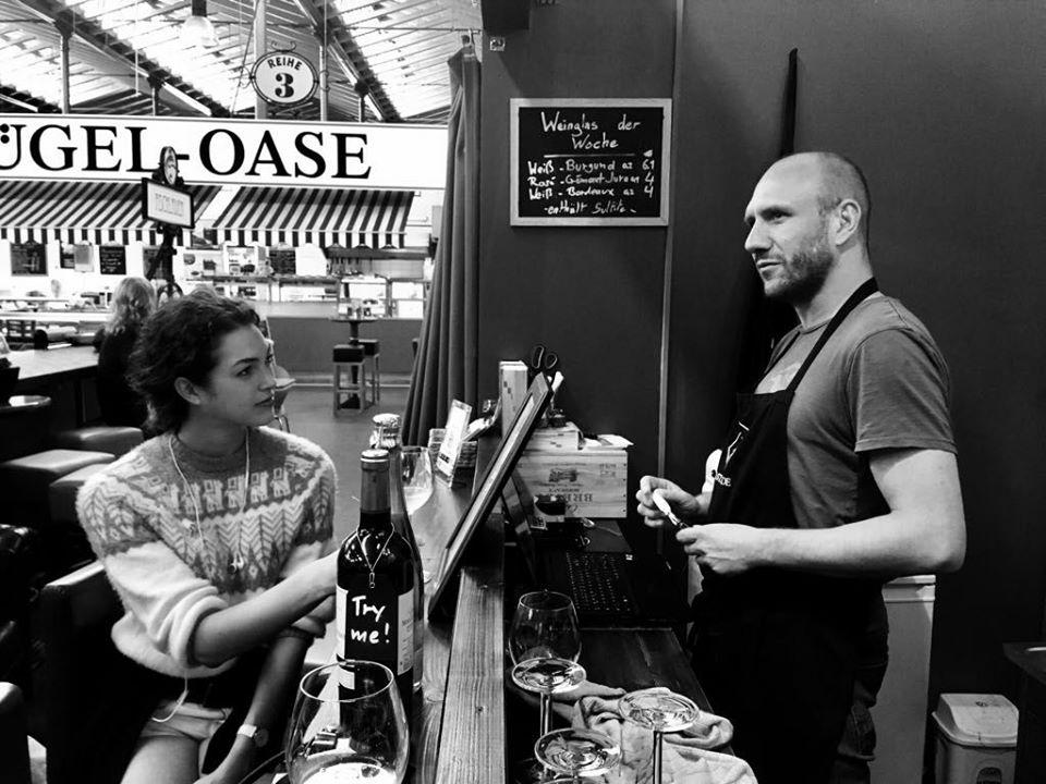 Véritable caviste spécialisé en vin francais à Berlin, nous souhaitons faire bénéficier de la même expérience à nos clients que ceux de la vente au détail.