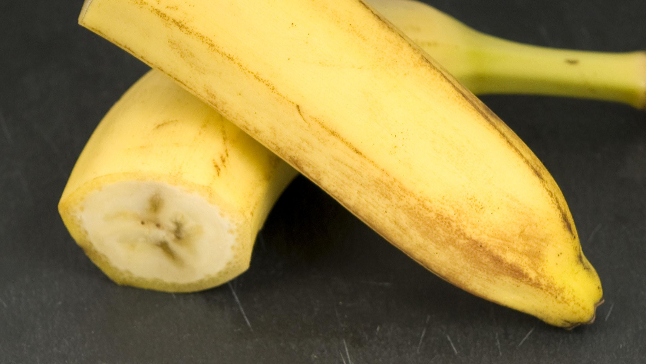 Arôme de banane dans le vin. Comment le reconnaitre ? Dans quels vins peut-on ressentir de la banane ? Tout savoir dans le guide du vin en ligne de Tastavin, votre caviste sur internet