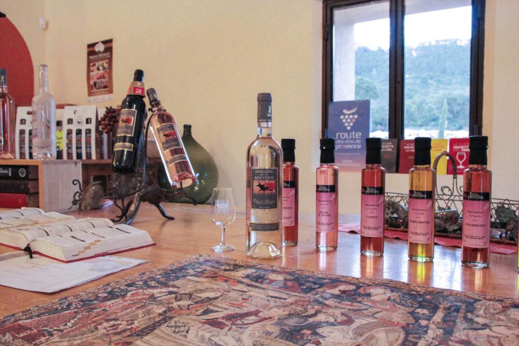 Domaine de la bouverie - présentoir des vins